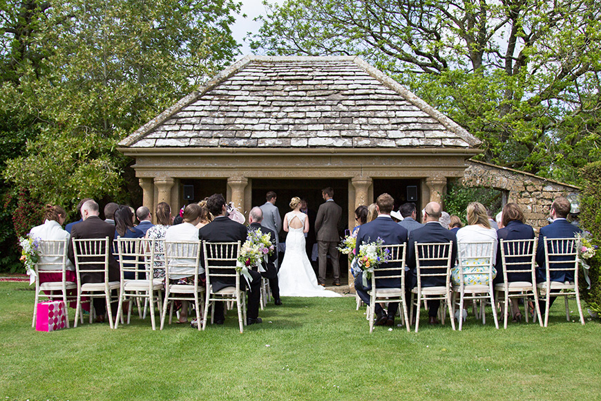 How to create the perfect Glastonbury inspired wedding - Mapperton | CHWV