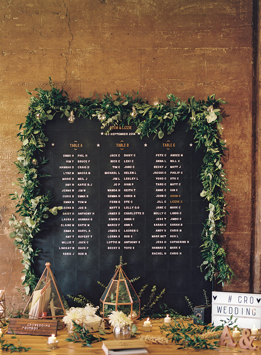 Wedding Ideas By Colour: Gold Wedding Table Plans - Contemporary style | CHWV