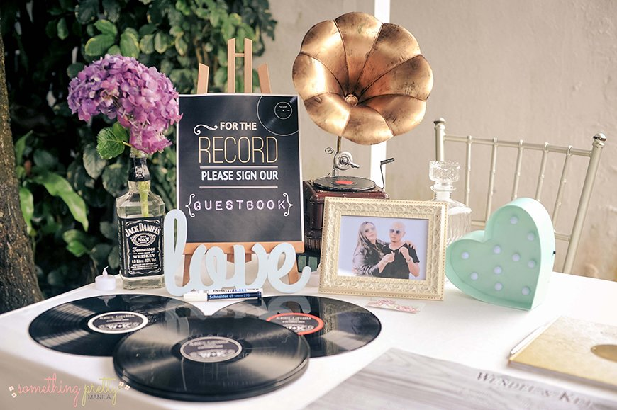 Guest Book Ideas You Won't Want To Miss - Vinyl record | CHWV