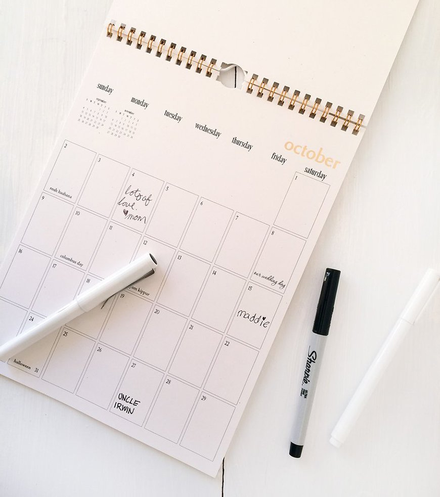 Guest Book Ideas You Won't Want To Miss - Calendar | CHWV