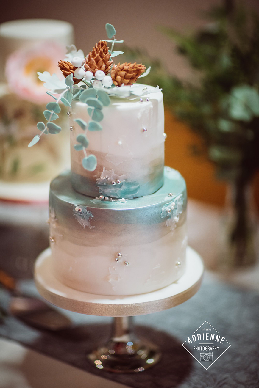 Hand-Painted Wedding Cakes You Have To See - Glamorous wedding cakes | CHWV