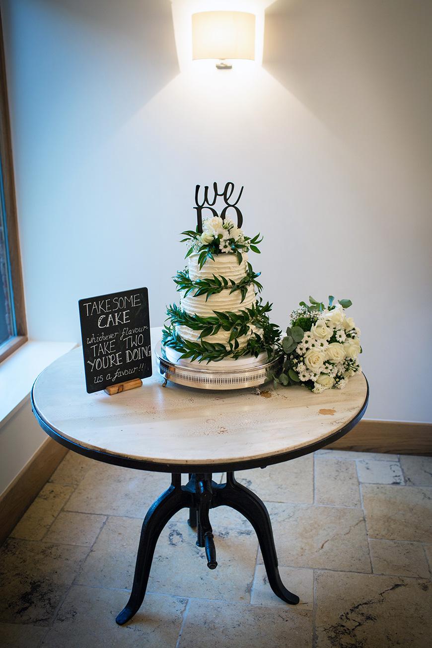 Hannah and Gareth's real life wedding at Mythe Barn - Cake | CHWV