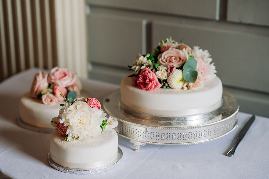 How To Plan A Wedding In 6 Months - All about the cake | CHWV