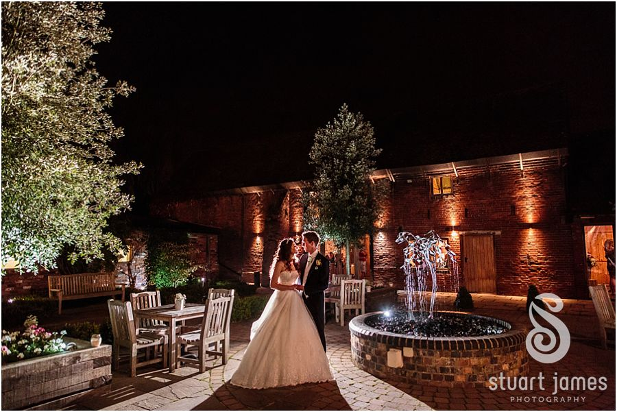 A feel-good, autumnal wedding at Packington Moor - At night | CHWV