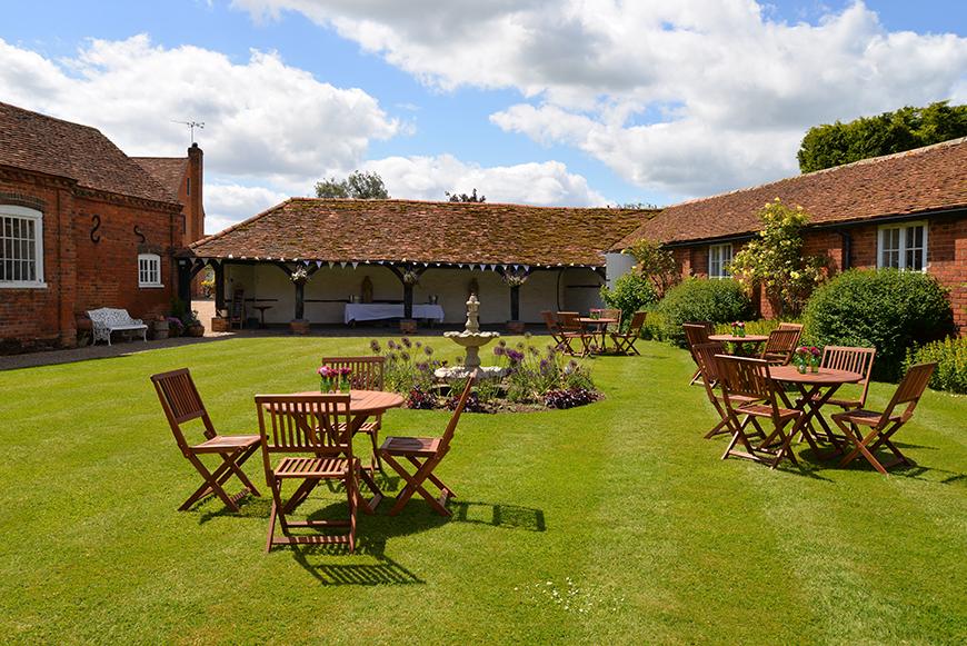 Our five favourite intimate wedding venues in berkshire chwv - Italian garden design ideas to make exquisite roman era garden ...