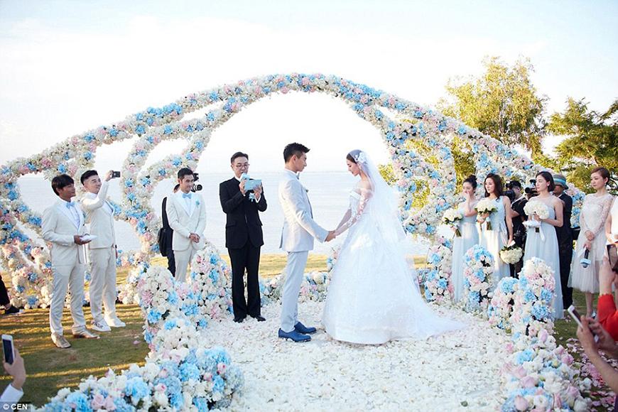 25 Jaw Dropping Wedding Ideas - Rosy posy | CHWV