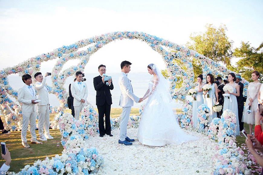 Three Jaw Dropping Indoor Banff Wedding Ceremonies: 25 Jaw Dropping Wedding Ideas