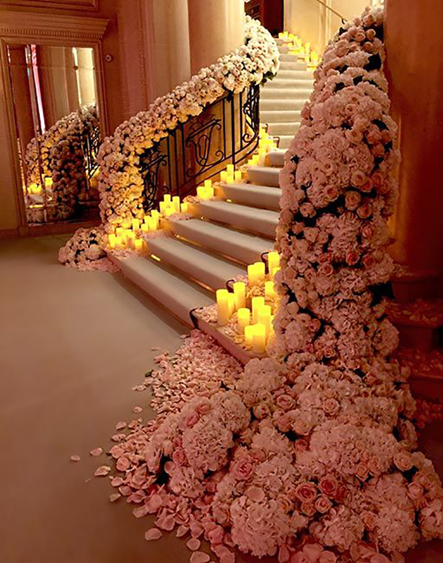 25 Jaw Dropping Wedding Ideas - Stairway of love | CHWV