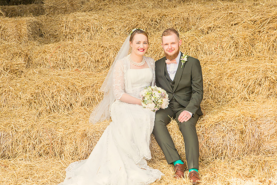 Real Wedding – Jess and Harry's Vintage-Inspired Barn Wedding