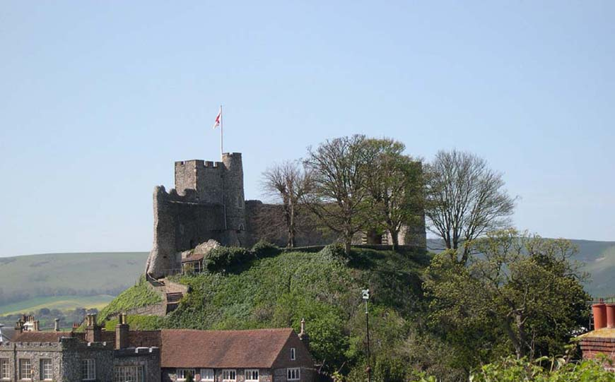 9 Unusual Wedding Venues For A Unique Day - Lewes Castle   CHWV