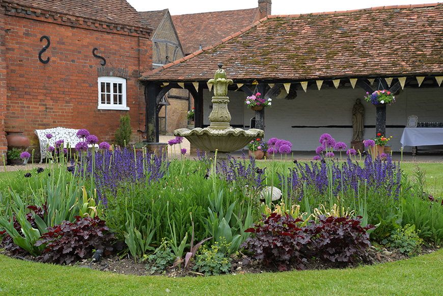 Why Lillibrooke Manor is Perfect in Every Season - Spring | CHWV