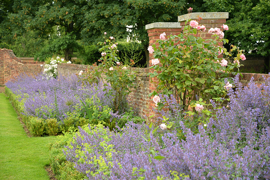Why Lillibrooke Manor is Perfect in Every Season - Summer | CHWV