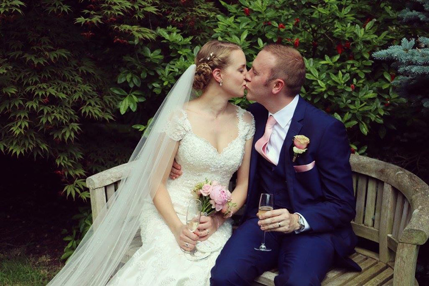 A Stylish Summer Celebration at Rivervale Barn in Hampshire - Kissing | CHWV