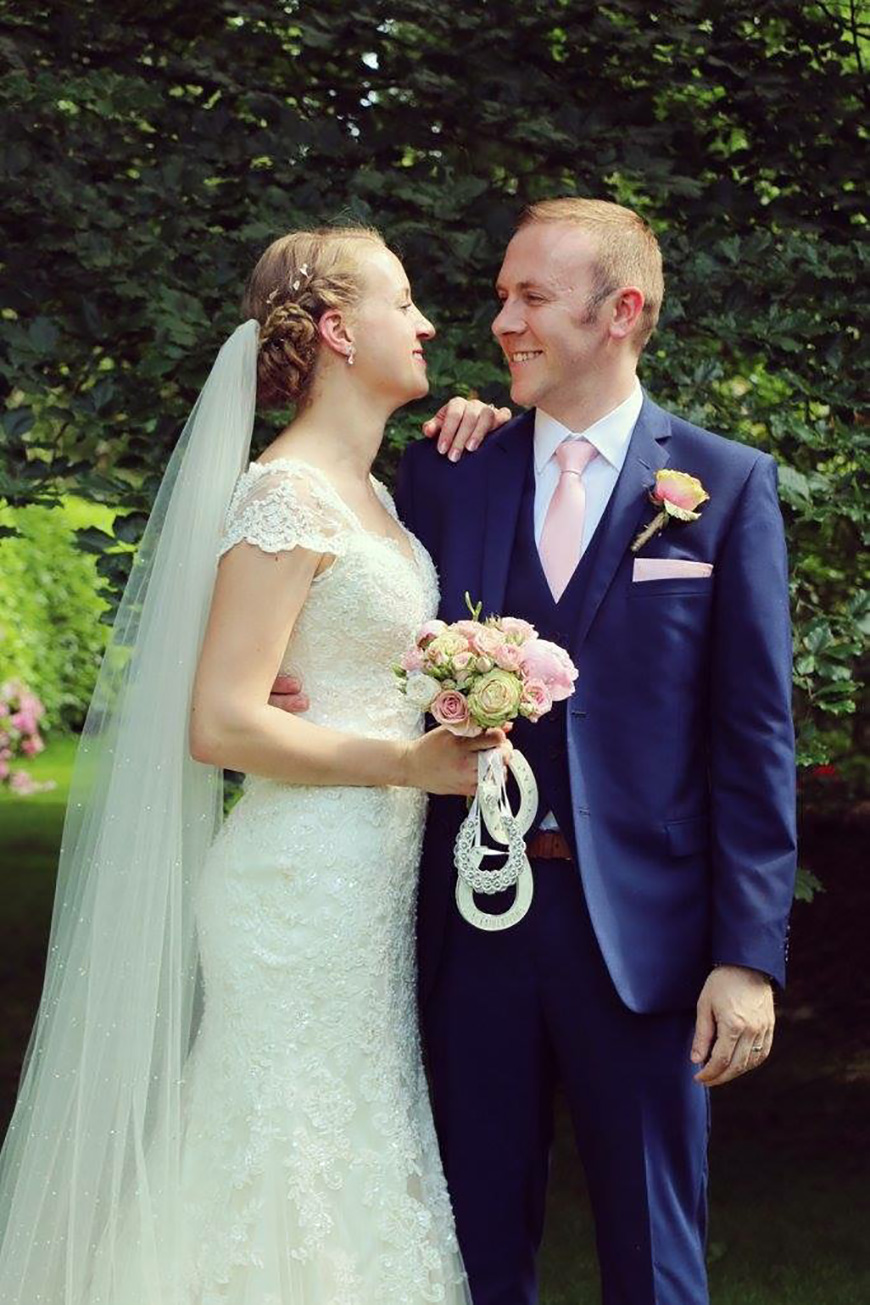 A Stylish Summer Celebration at Rivervale Barn in Hampshire - Outfits | CHWV