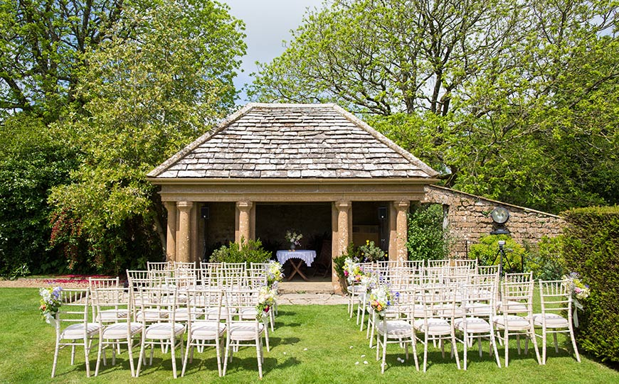 15 Manor House Wedding Venues For A Summer Wedding - Mapperton | CHWV