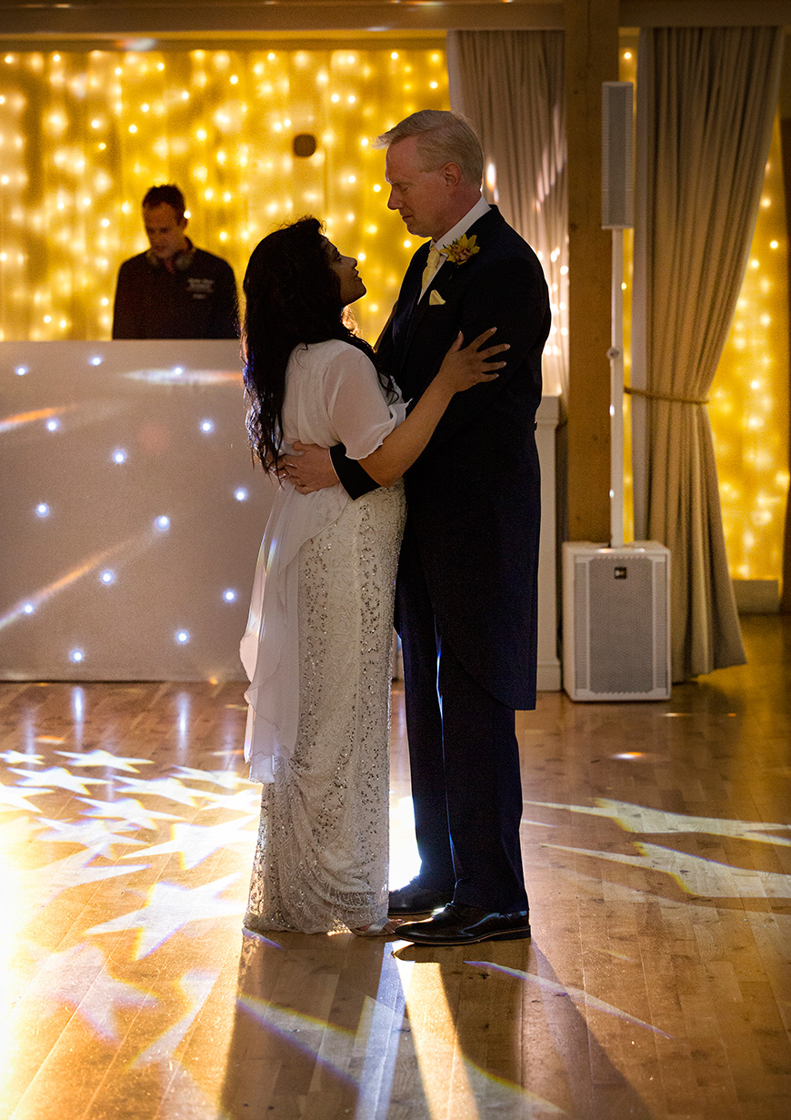 Lynn and Mark's Bright and Beautiful Yellow Wedding - First dance | CHWV