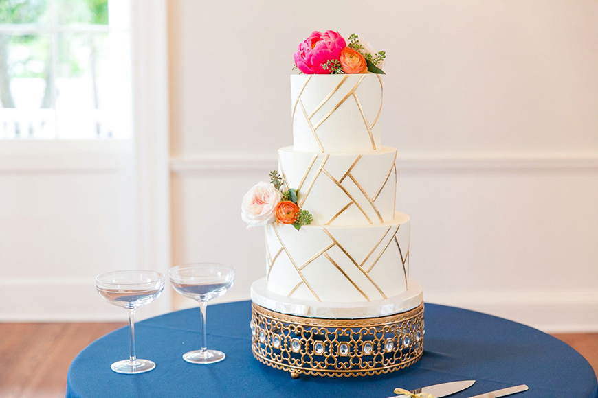 Modern Wedding Cakes You Won't Want To Miss - Shape up | CHWV