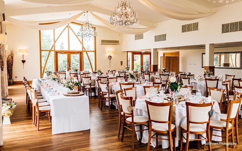 Barn Wedding Venues in Leicestershire | Mythe Barn | CHWV