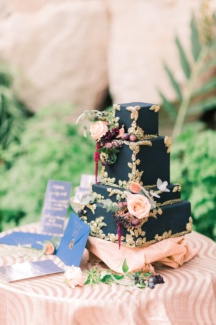 Wedding Ideas By Colour: Navy and Gold Wedding Theme - Cake | CHWV
