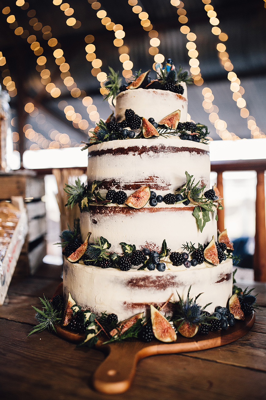 Wedding Ideas By Colour: Navy Wedding Decorations - Cake | CHWV