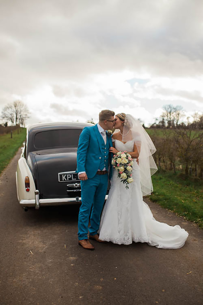 A Romantic Countryside Wedding at Clock Barn - Their outfits | CHWV