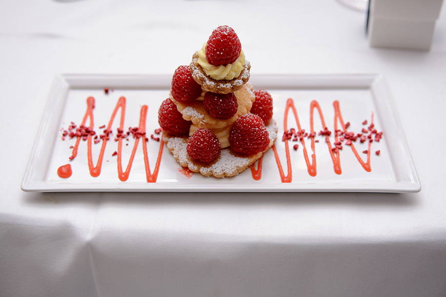 Nicola and Grant's real wedding at Wasing Park - Shortbread, with raspberries and clotted cream | CHWV