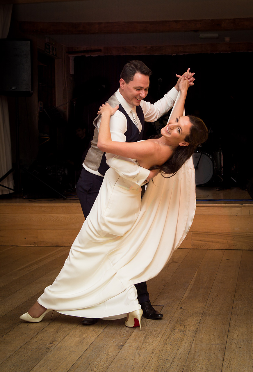 Nicola and Grant's real wedding at Wasing Park - First dance | CHWV