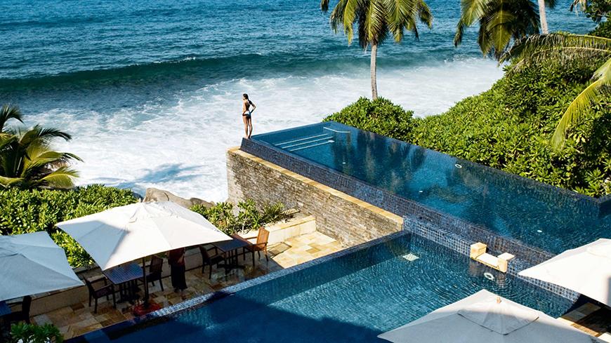 12 Once In A Lifetime Honeymoon Ideas - The Seychelles | CHWV