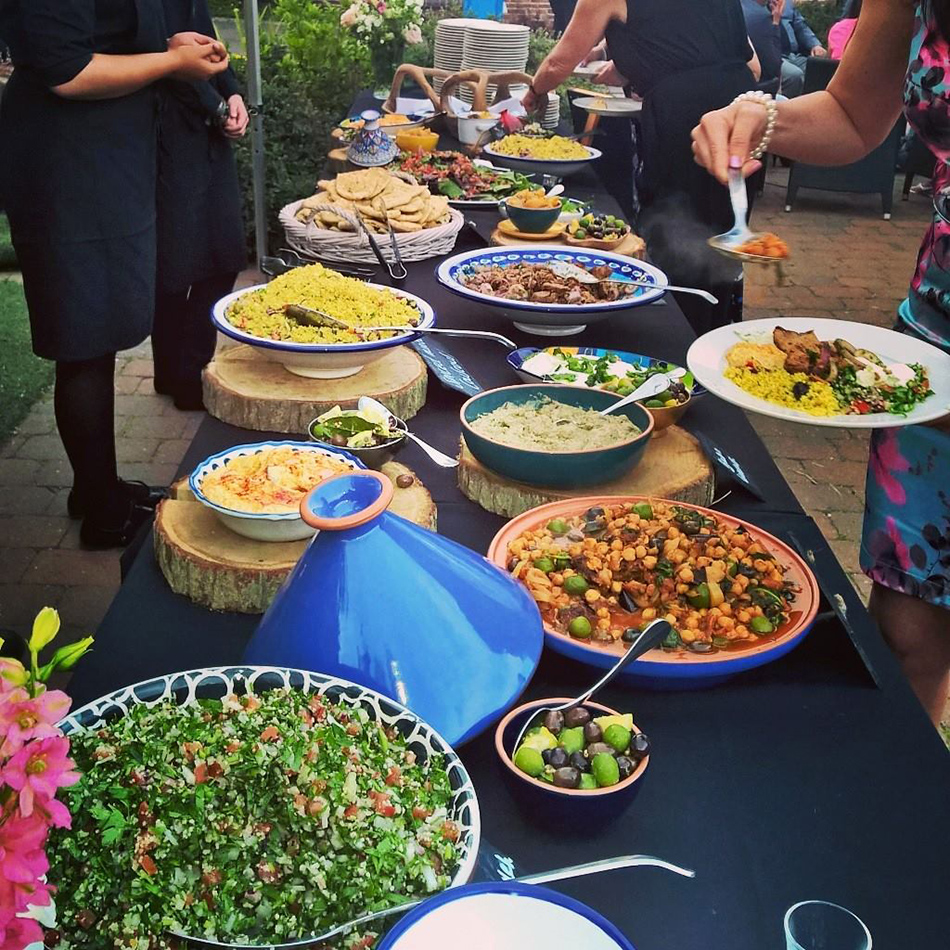 Outdoor Dining  - Totally ingenious ideas for an outdoor wedding