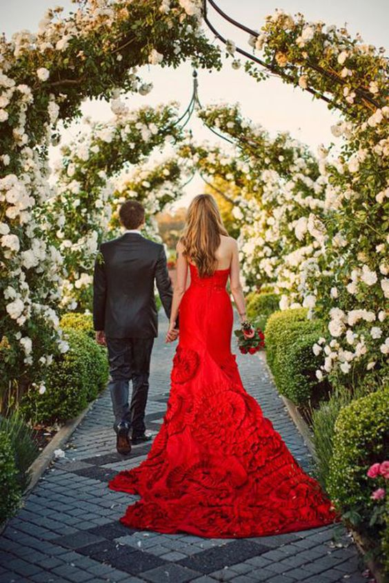 Wedding Ideas by Colour: Red Wedding Dresses - The fabulous train | CHWV