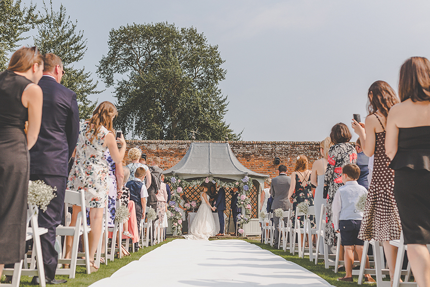 11 Romantic Wedding Venues For A Summer Celebration - Braxted Park | CHWV