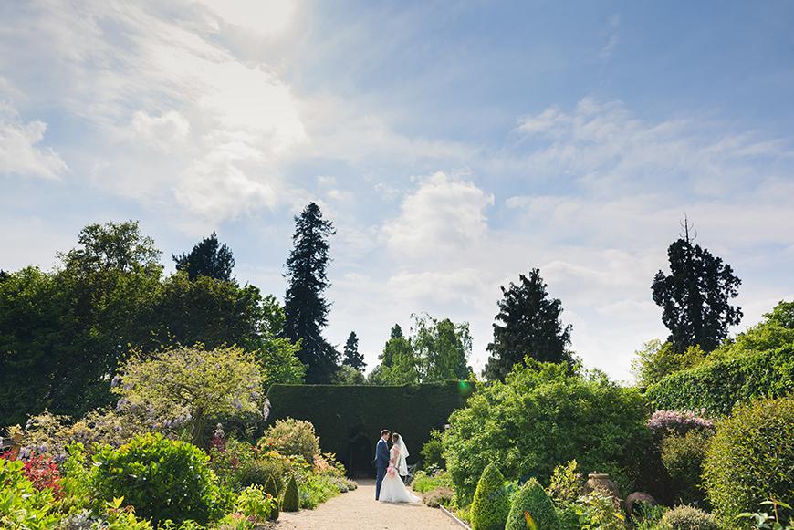11 Romantic Wedding Venues For A Summer Celebration - Gaynes Park | CHWV