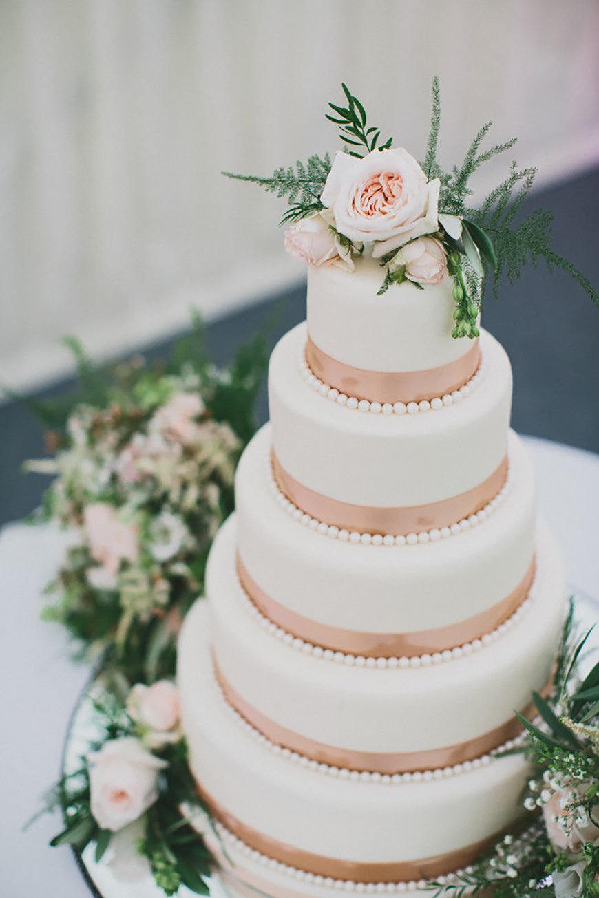 Wedding Ideas By Colour: Rose Gold Wedding Decorations - All about cake | CHWV