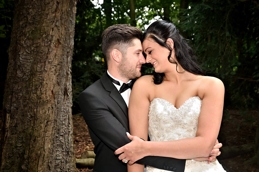 Real Wedding – A Wedding With The Wow-Factor at Sywnford Manor   CHWV