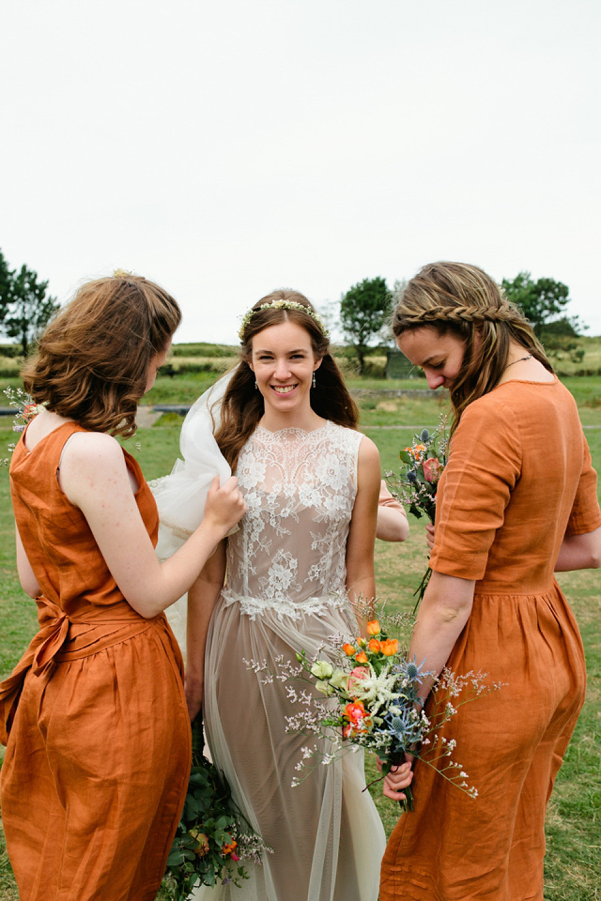 Wedding Ideas By Pantone Colour: Russet Orange - Wedding day look | CHWV