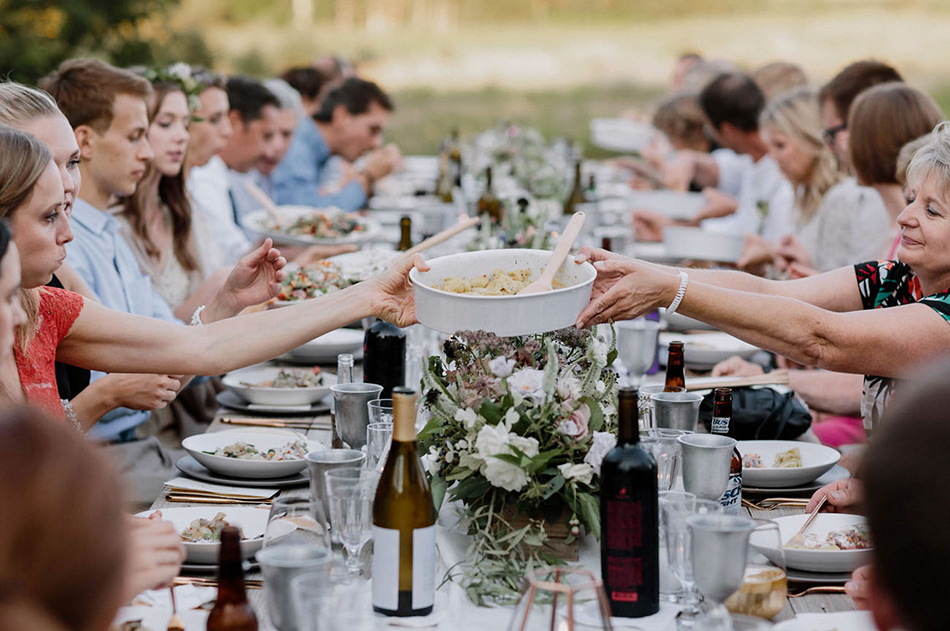 Why small and intimate weddings are in for 2016 - Closest family and friends   CHWV