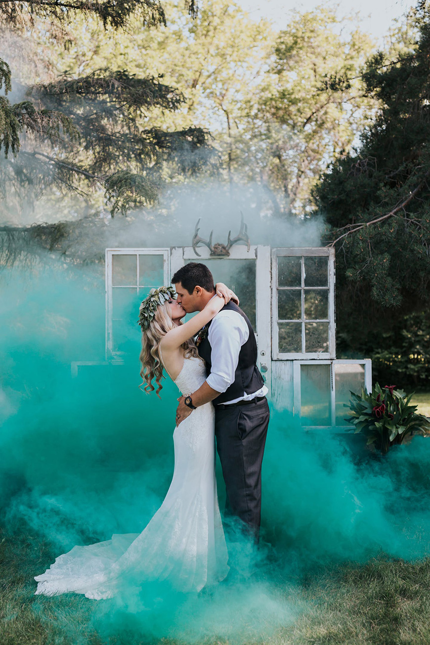 Smoke Bomb Photography Wedding