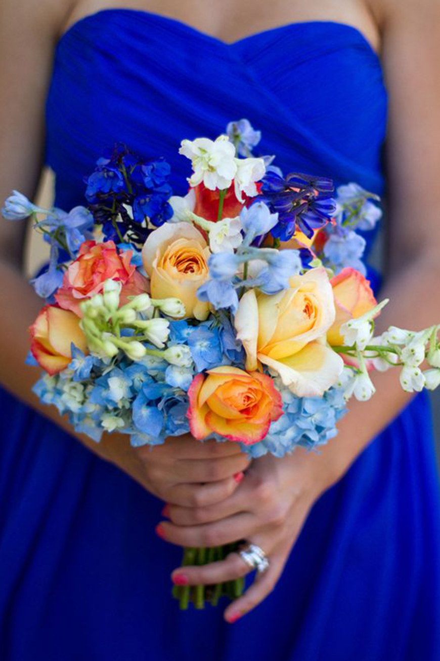 Stunning Colour Schemes For A Spring Or Summer Wedding - Ultramarine blue and earthy tones | CHWV