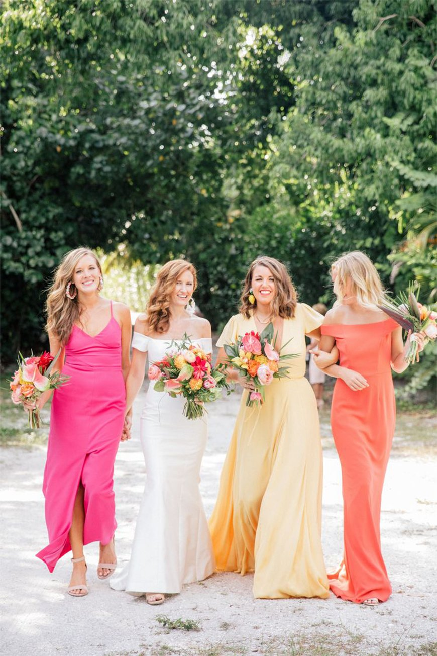 Stunning Colour Schemes For A Spring Or Summer Wedding - Vibrant reds and zesty yellows | CHWV