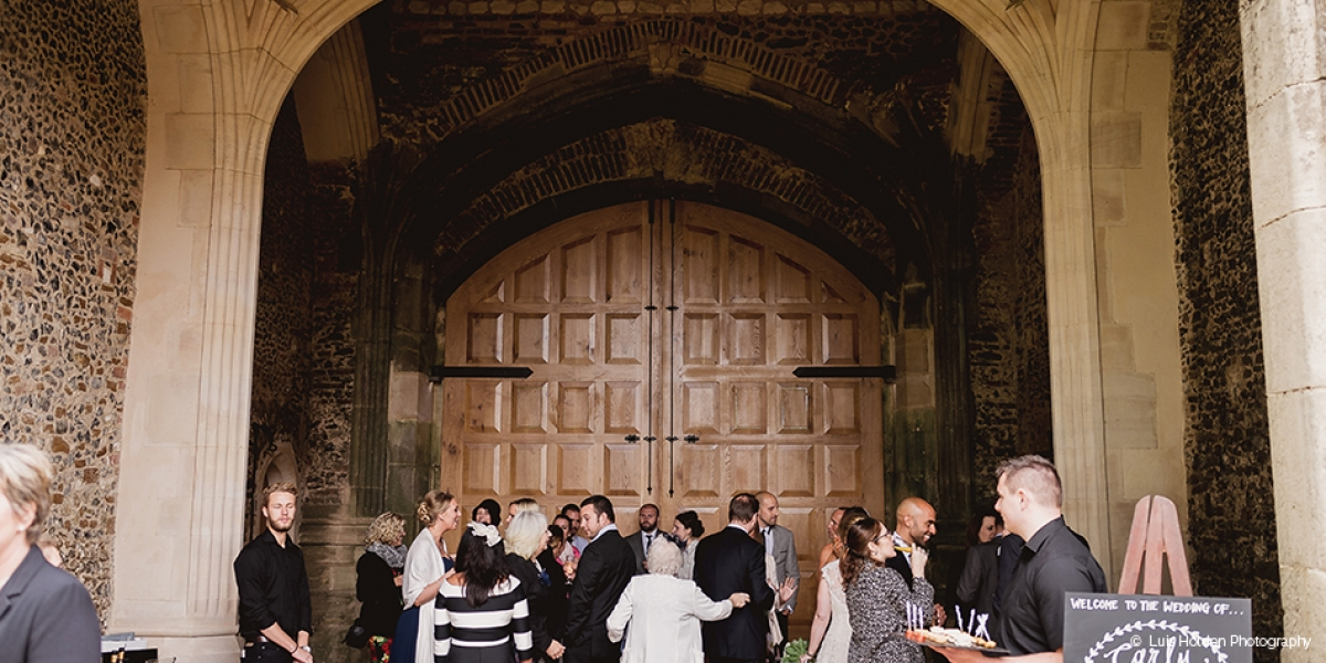 A stunning wedding photo album from Pentney Abbey in Norfolk | CHWV