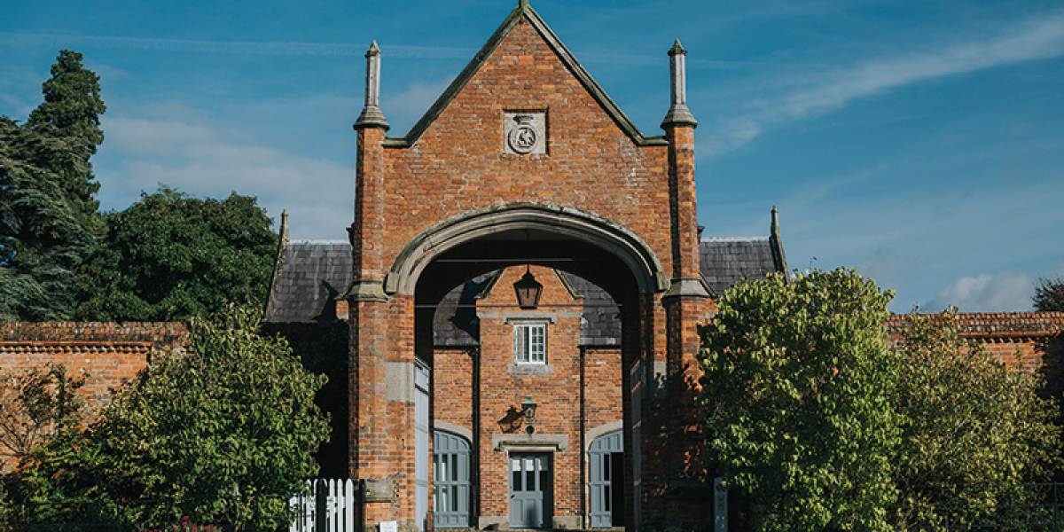 Combermere-Abbey-Cheshire-wedding-venue