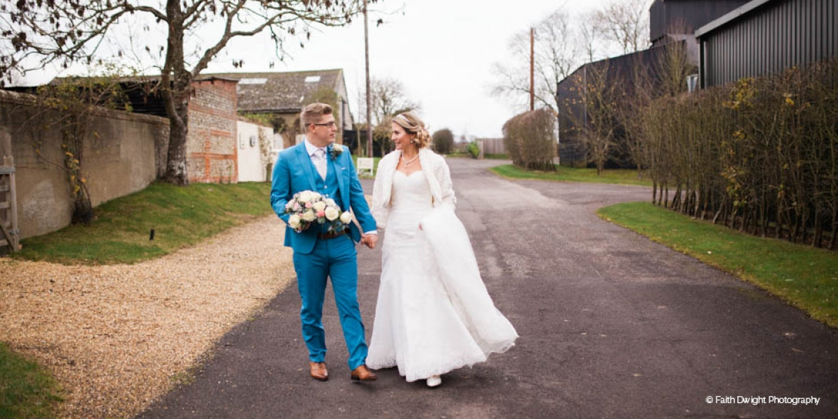 A Romantic Countryside Wedding at Clock Barn | CHWV