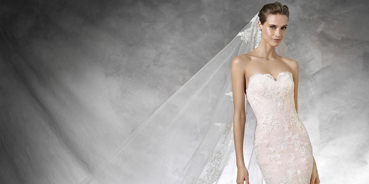 The best strapless dresses for your spring wedding | CHWV