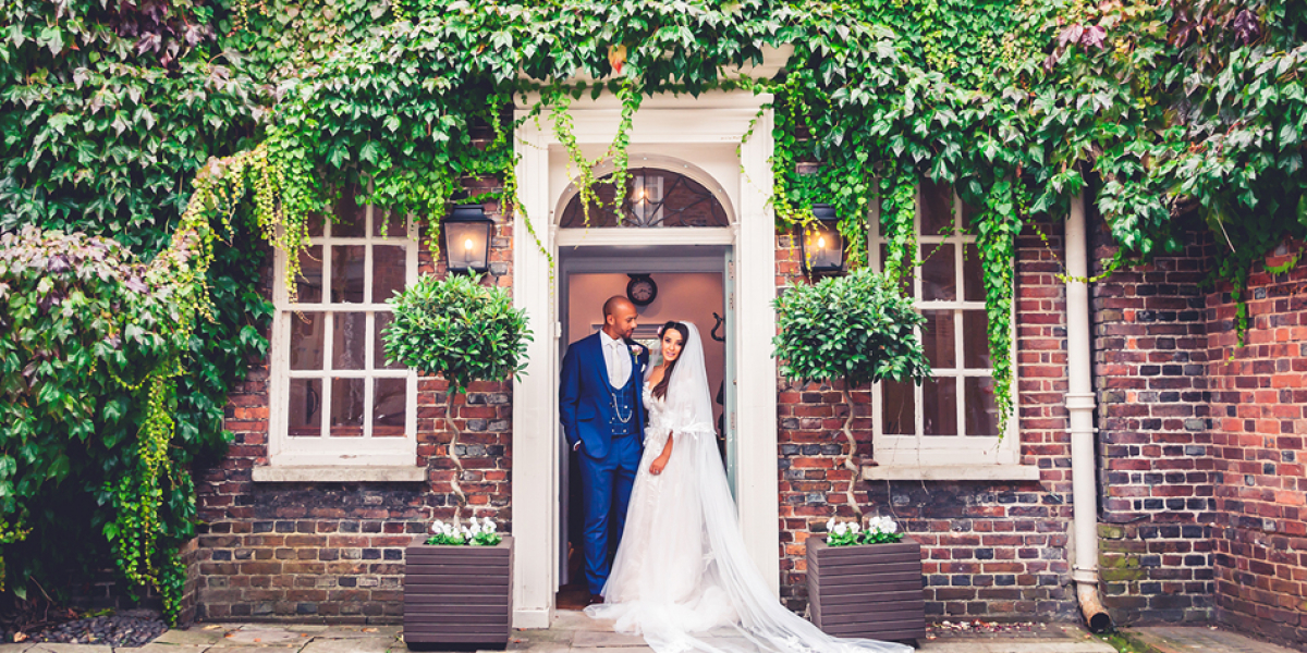 14 Unmissable Manor House Wedding Venues | CHWV