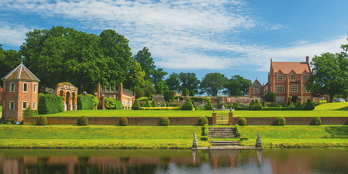 Oxnead Hall wedding venue in Norfolk - Last minute wedding dates | CHWV