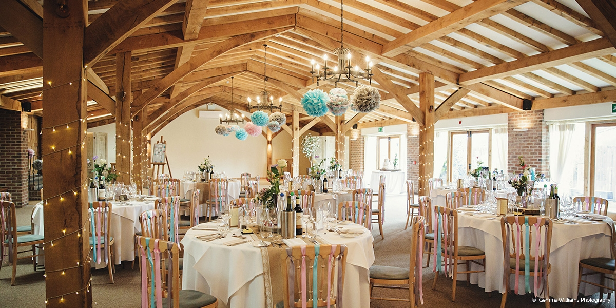 Packington Moor barn wedding venue in Staffordshire - Late availability | CHWV