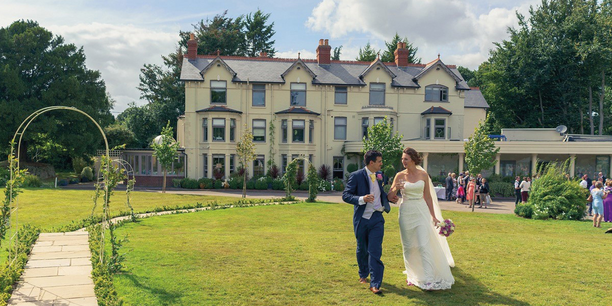 Southdowns Manor wedding venue in West Sussex - Special promotions | CHWV