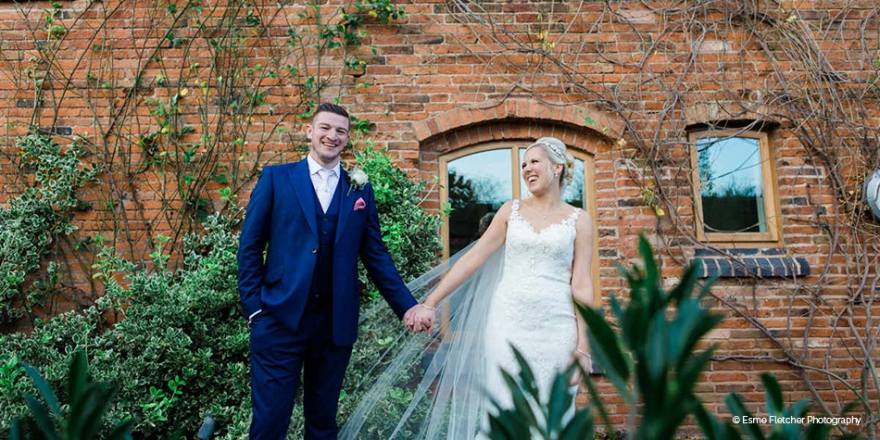 Real Wedding – Emma and Danny's Romantic Winter Wedding | CHWV