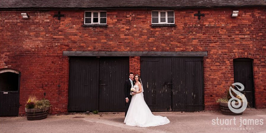 A feel-good, autumnal wedding at Packington Moor | CHWV