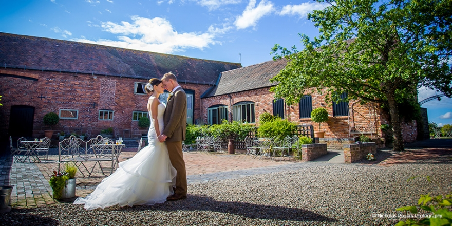 Real Wedding - Lisa and Daniel's Vibrant Summer Wedding at Curradine Barns | CHWV